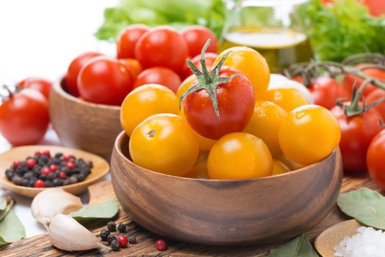 赤と黄色のプチトマト