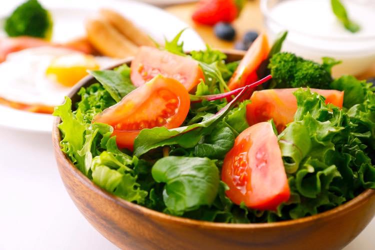 彩の綺麗なサラダ