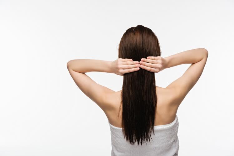 綺麗な女性の長い髪