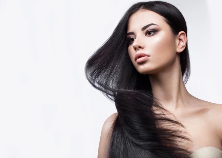 美しい髪をした女性